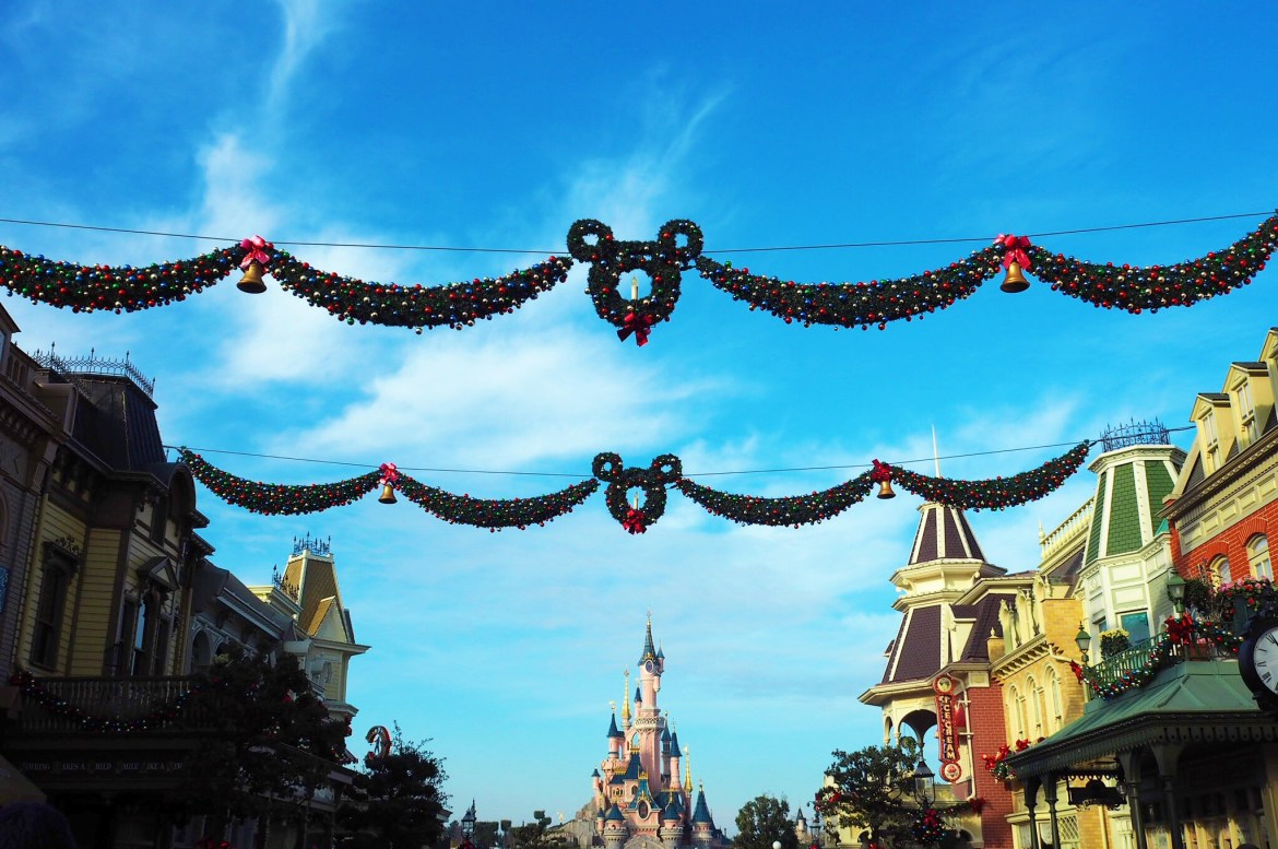 Top Tips for DisneyLand Paris at Christmas time