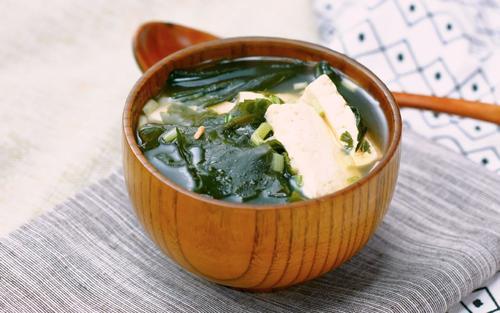豆腐海帶湯