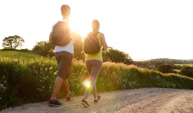 堅持每周5天,每天1次,每次在45分鐘內走5公里的路程