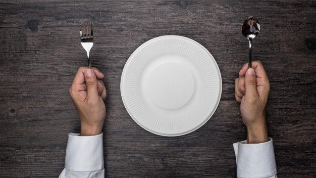 破解10大飯後不能做的事,究竟有幾個是真的?