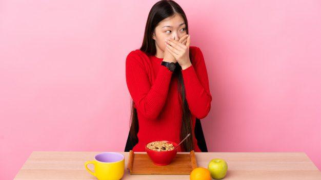 經常「打嗝」可能被6種病盯上,要小心了!教你8種止嗝方法!