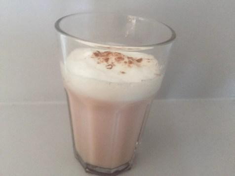 chai latte thee met honing