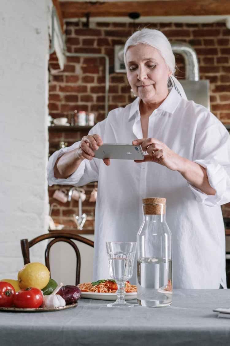 food hands woman apple