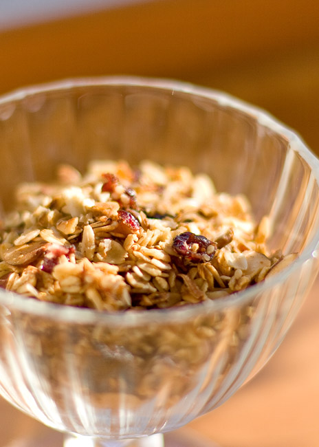 Maple Almond Slow Cooker Granola - did you know you can make granola in the crock pot? So good and so easy!