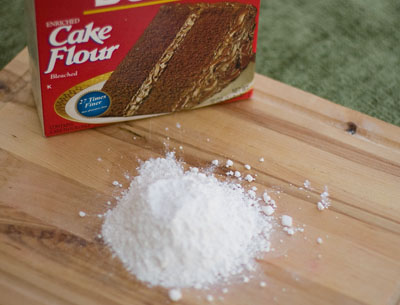 A Flour Primer - everything you want to know about flour! Cake Flour