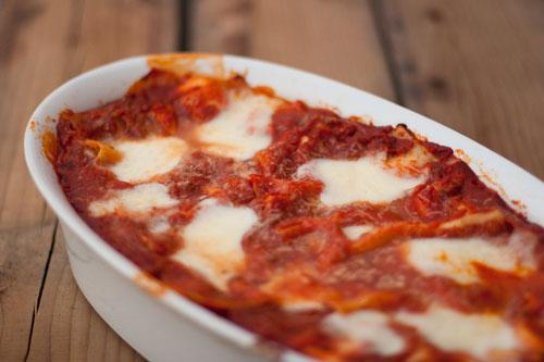 my favorite lasagna vegetarian lasagna with red peppers and fresh mozzarella https://lifecurrentsblog.com #lasagna #comfortFood #yum #food #recipe #vegetarian