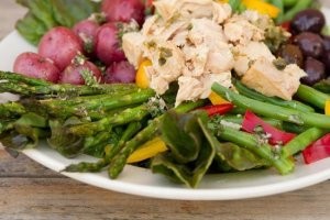 Island Trollers Tuna Nicoise salad
