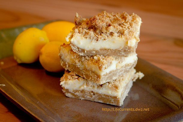 Oatmeal Lemon Crème Bars: perfect for Mother's Day! | Life Currents Mom loves oatmeal. And, she loves lemons. (She can't have any chocolate or coffee). So, these Oatmeal Lemon Crème Bars seemed perfect for her for Mother's Day brunch. https://lifecurrentsblog.com