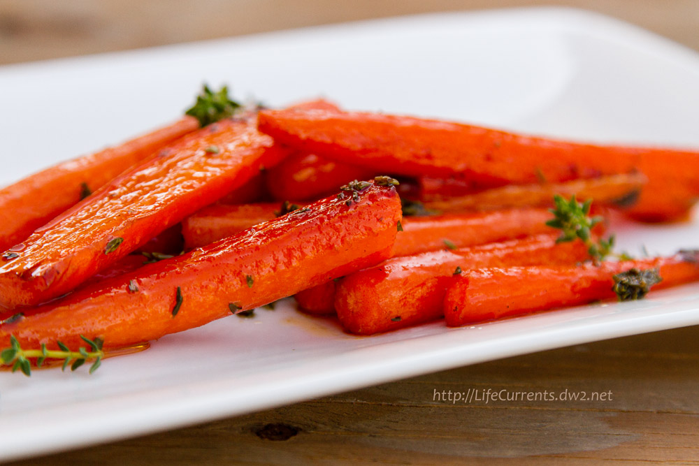 Maple-Thyme Glazed Carrots Life Currents https://lifecurrentsblog.com