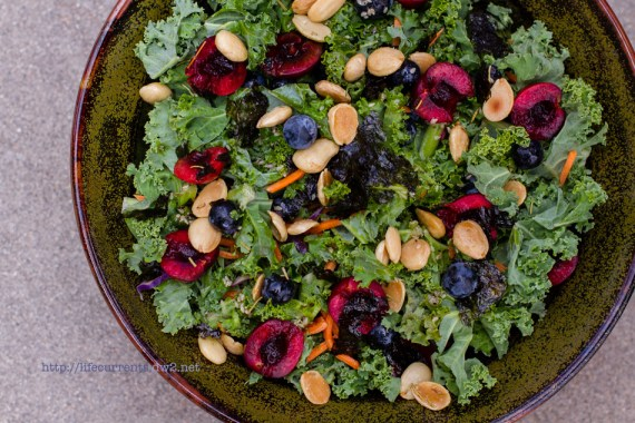 Kale Salad | Life Currents Maria's Baby Shower: As many of you know, my brother and sister in-law are expecting their first baby soon. Here are some pictures from the shower! #babyshower #party #shower