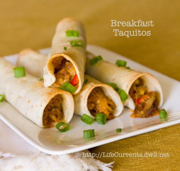 Breakfast Taquitos | Life Currents I'm always looking for new breakfast ideas. So, when I saw these great looking Baked Breakfast Taquitos I put them on the menu right away. They are awesome! #vegetarian #Mexican #breakfast