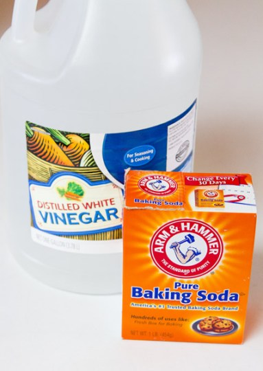 vinegar and baking soda will help clear drains and will help clean mildew from towels... read for directions Lemon-Vinegar Cleaner #recipe #natural #vinegar #lemon #smellsGood #cleaner #scrub Life Currents https://lifecurrentsblog.com
