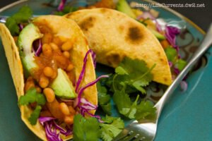 White Bean Potato Tacos | Life Currents https://lifecurrentsblog.com