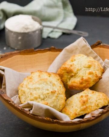 Fresh Buttermilk Biscuits | Life Currents https://lifecurrentsblog.com/
