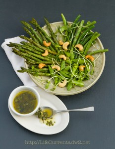 Spring Salad with White Balsamic Basil Vinaigrette | Life Currents https://lifecurrentsblog.com #salad #spring #healthy