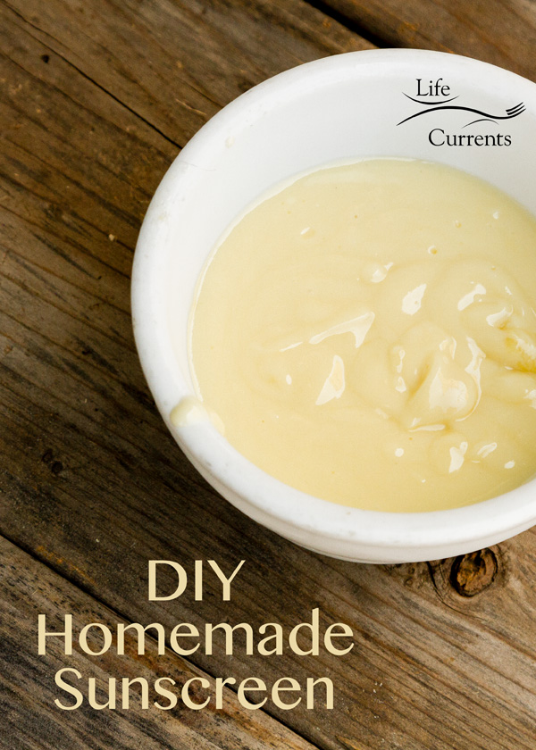 Homemade Sunscreen DIY #summer #sunscreen #sunblock