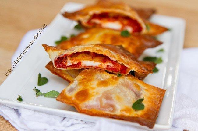 Easy Baked Pizza Wraps | Life Currents Blog https://lifecurrentsblog.com