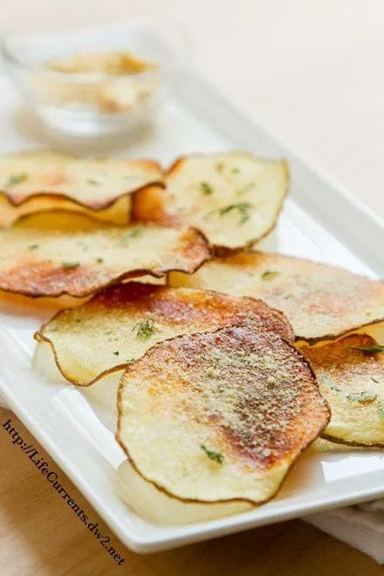 Baked Sour Cream and Onion Potato Chips by Life Currents