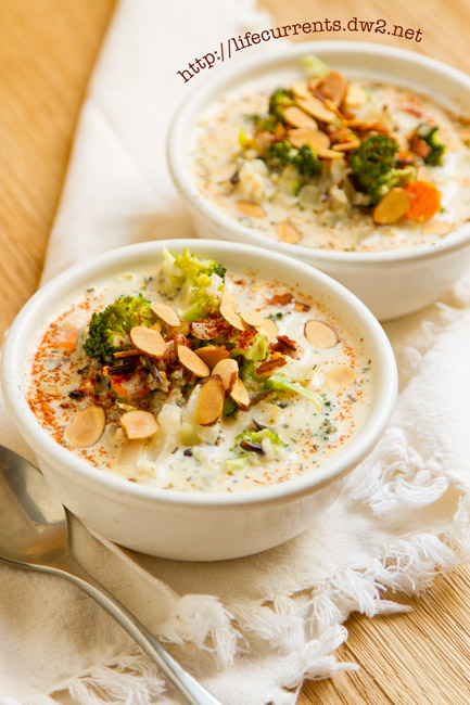 Creamy Broccoli and Wild Rice Slow Cooker Soup is a great warming soup that's filled with veggies and whole grain goodness https://lifecurrentsblog.com