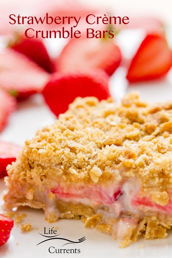 Strawberry Creme Crumble Bars dessert easy to make summer straberries