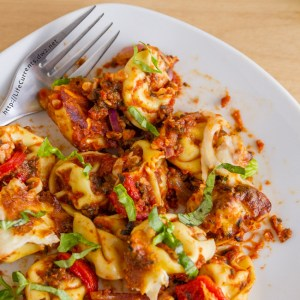One Pot Pizza Tortellini Bake
