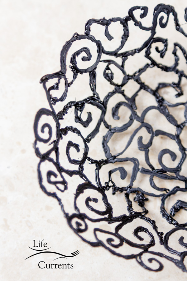 How to Make a Scroll Bowl using the 3Doodler - fairly easy to make, and the results are beautiful!