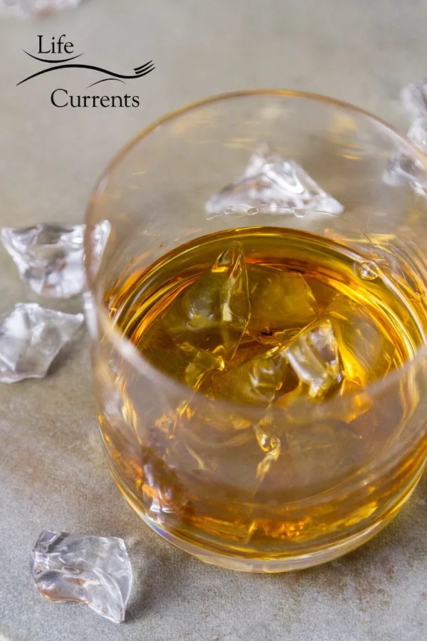 How to host a whiskey tasting party - Life Currents