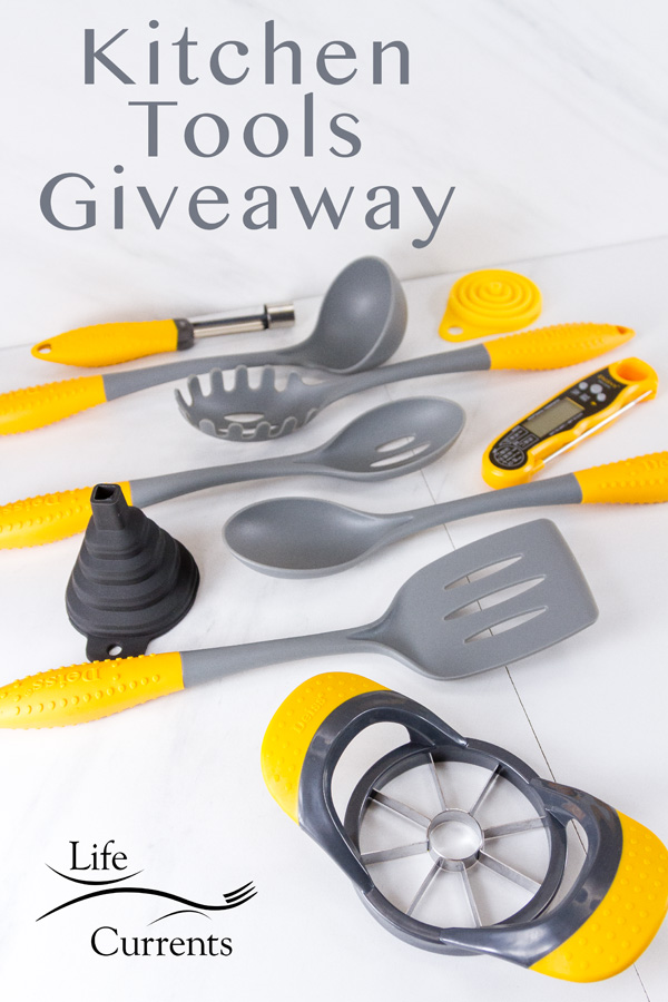 Apple Oatmeal muffins + a giveaway for Deiss Kitchen tools - these are the tools included in the giveaway