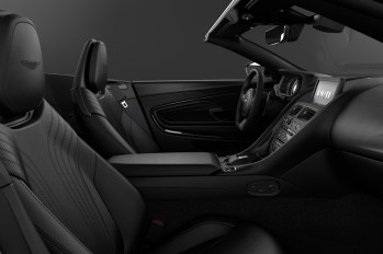 1582200642_DB11_Shadow_Edition___Interior_Volante
