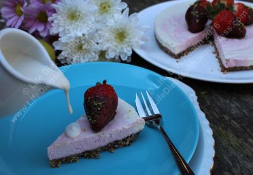 Coconut cream with vegan cheesecake