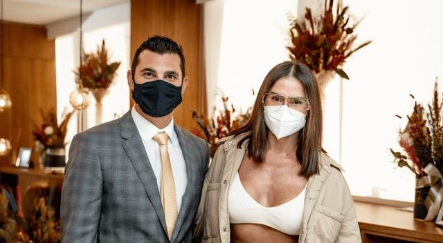 Deborah Secco visita o Dr. Gustavo Marcatto