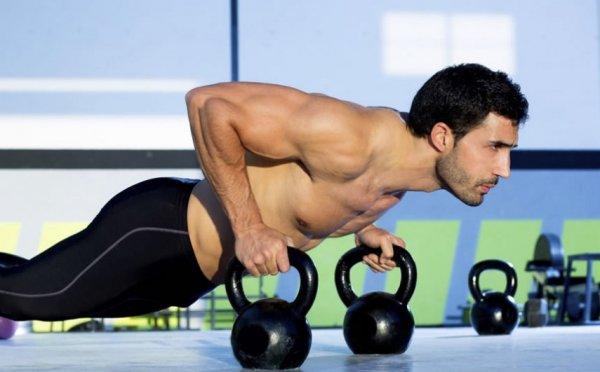 Упражнения с гирями: комплекс для мужчин и женщин на все ...