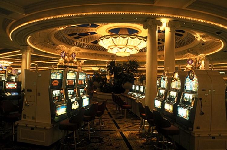 Казино Монте-Карло, игровые автоматы