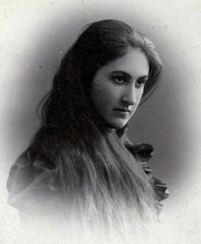 Анна Цакни стала первой женой Бунина