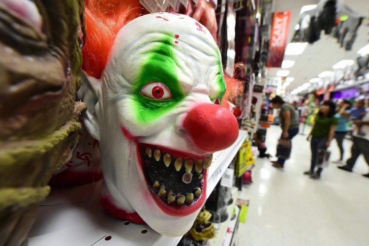 злые клоуны, улица