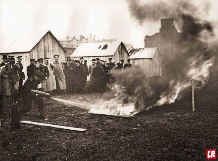 фишки дня - 7 февраля, День рождения огнетушителя