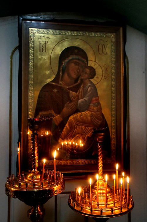 поведение в храме, как вести себя в храме, свечи