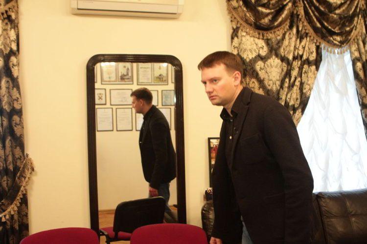 Анатолий Соловьяненко, Фигаро