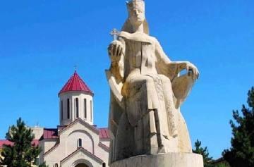 фишки дня - 14 мая, Тамароба, памятник царице Тамаре