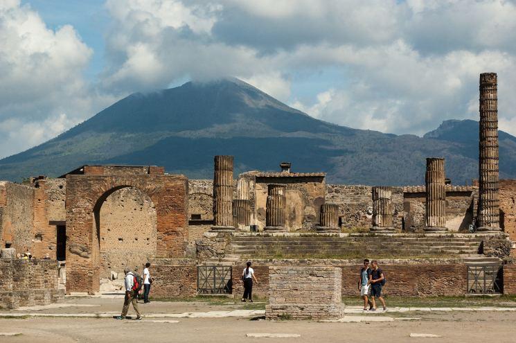 фишки дня - 24 августа, день извержения Везувия, Помпеи