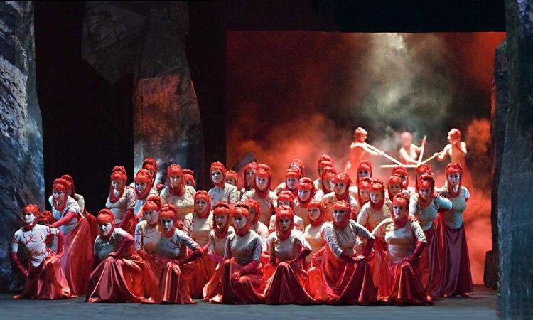 Макбет, опера, Слева направо - Анна, Елена, Варвара Потаповы