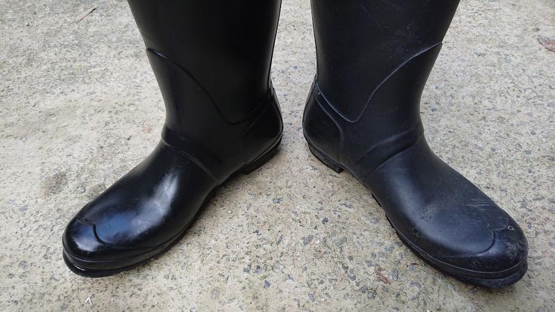 シリコンスプレーとHUNTER長靴・開き