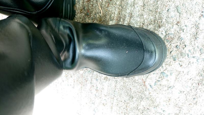 長靴のシワ