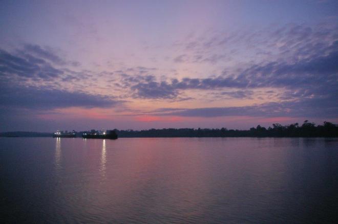 Saulėtekis Borneo saloje