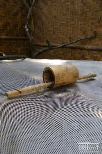 Bamboo handle for well cover