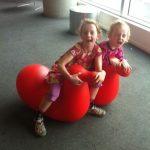 Bilen lämnad, nu flyger vi till Auckland…