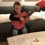 Gitarrspel, shopping och trötthet