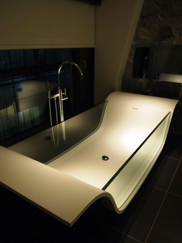 See through bath, South Place Hotel