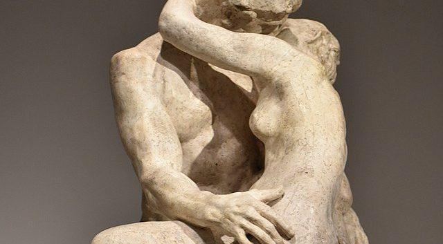 640px-Rodin_-_Le_Baiser_06