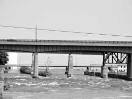 bridges Oswego River BW2